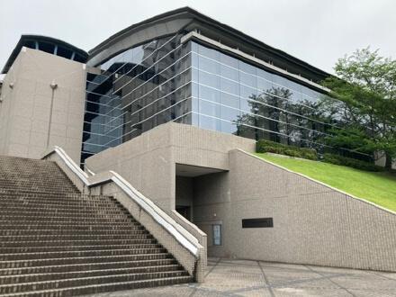東広島市立中央図書館